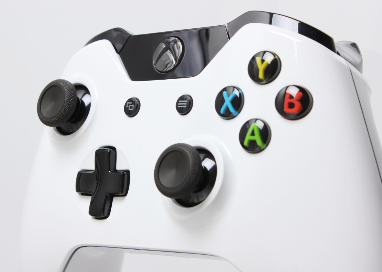 Custom Xbox One Controllers before launch available